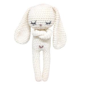 Pelote de laine - lapins blanc en crochet