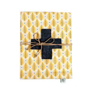 12croix-carnet de santé - feuilles jaunes