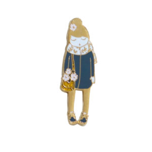 my lovely thing - pin's poupee fleurie