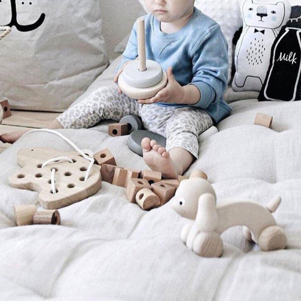 Lalka - jouet bois laçage